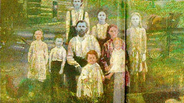 """Bí ẩn gia đình """"người ngoài hành tinh"""": Cả nhà da màu xanh da trời và sự thật ngạc nhiên"""