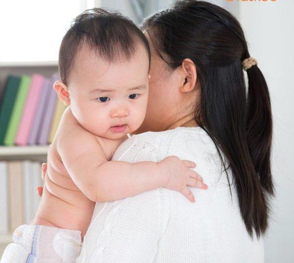 Cách xử trí trẻ sơ sinh bị nấc nhanh chóng, hiệu quả