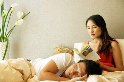 Cô giáo của con nhắn tin nhạy cảm cho chồng khiến vợ sốc nặng