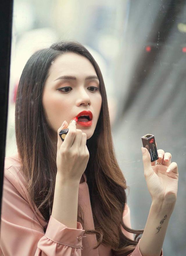 Giải mã cây son Hương Giang Idol sử dụng trong MV mới của Havyco Lipstick