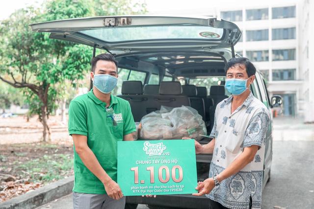 1100 ổ bánh mì đã đến với khu cách ly KTX Đại học Quốc Gia TP.HCM
