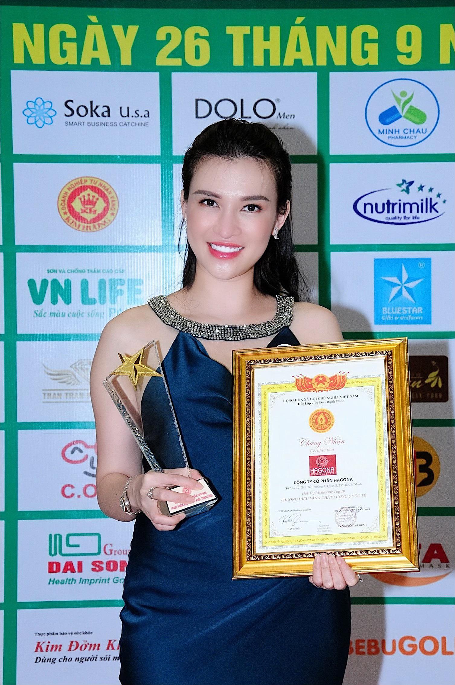 TÓC GIẢ HAGONA xuất sắc nhận chứng chỉ Top 10 thương hiệu vàng chất lượng quốc tế