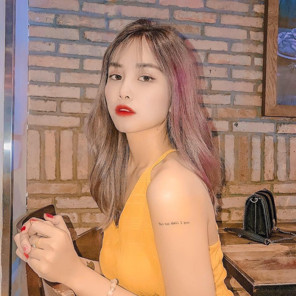 Hotgirl Quỳnh Trâm – Cô Gái Đến Từ Khánh Hòa –   Hiện Đại Là Phải Mạnh Mẽ – Tự Tin – Độc Lập